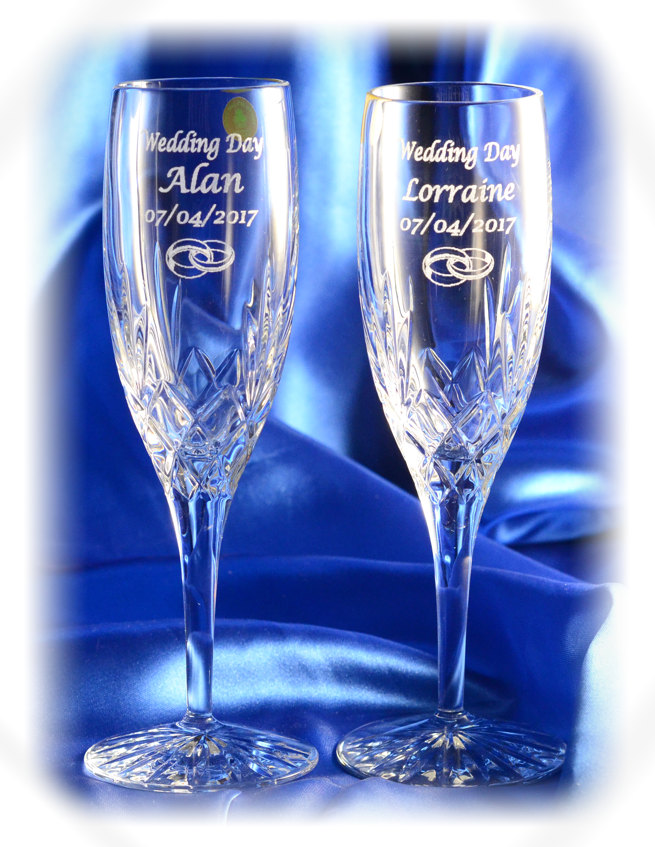 Engraved wedding champagne flutes personalised wedding gift for Wedding champagne flutes